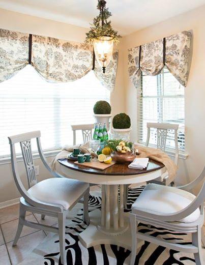 Lila HOME table