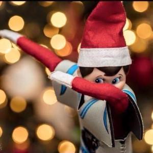 Elf on the shelf dabbing