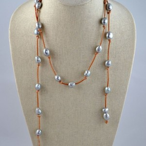 Perle by Lola Lariat necklace