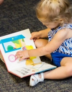 7 - Play and learn with your little one - Photo