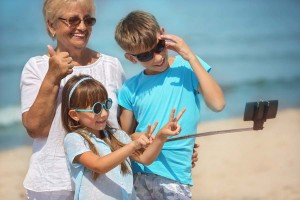 GrandmotherGrandchildrenSunglassesBeachWeb